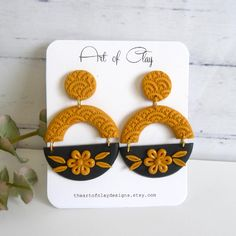 Diy Earrings Polymer Clay, Polymer Clay Crafts, Handmade Polymer Clay, Earrings Handmade, Idee Diy, Polymer Clay Projects, Bijoux Diy, Diy Arts And Crafts, Biscuit