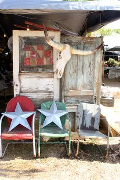 Round Top, TX -- flea market and antique trunk sales. Antique Fairs, Antique Show, Antique Stores, Round Top Texas, Texas Forever, Lone Star State, Texas Homes, Vintage Market, Western Decor
