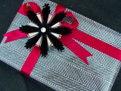 Christmas Gift Wrap Photo:  This Photo was uploaded by muchwisor. Find other Christmas Gift Wrap pictures and photos or upload your own with Photobucket ...