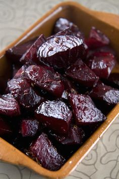 These roasted beets are extra sweet and delicious. They are low in calories and excellent by themselves or in fresh green salads. Beet Recipes, Vegetable Recipes, Vegetarian Recipes, Cooking Recipes, Healthy Recipes, Recipies, Roast Recipes, Roasted Beets Recipe, Roasted Beet Salad