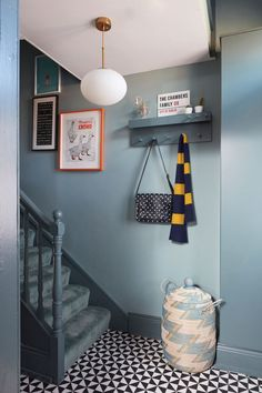 Budget Breakdown: Laura Chambers' bright and bold hallway makeover Dark Blue Hallway, Bright Hallway, Modern Hallway, Blue Hallway Paint, Contemporary Hallway, Bright Walls, Hallway Wall Colors, Hallway Walls, Colours For Hallways