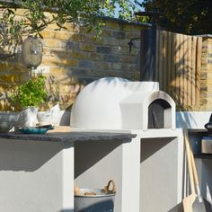 Primo Ideal Homes Mag - The Stone Bake Oven Company Pizza Oven Outdoor, Outdoor Cooking, Outdoor Barbeque, Barbecue Area, Four A Pizza, Outdoor Living Rooms, Summer Kitchen, Outdoor Kitchen Design, Backyard Projects