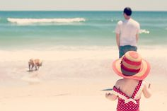 THE BEACH by Naomi Davis. Her family pictures of a travel to Florida