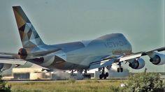 747 Etihad New Colours