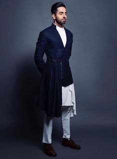 We have inculcated his best looks, for every wedding function. Bookmark ShaadiSaga and get ready with your trending outfit inspiration from Ayushmann Khurrana India Fashion Men, Indian Men Fashion, Mens Fashion Wear, Big Men Fashion, Suit Fashion, Fasion, Wedding Dresses Men Indian, Wedding Dress Men, Wedding Suits