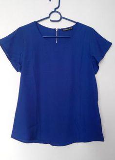 Kupuj mé předměty na #vinted http://www.vinted.cz/damske-obleceni/s-kratkym-rukavem/11701513-modre-triko-se-zipem