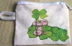 Mäuschen  http://bastelzwerg.eu/herziges-Schluesseletui-mit-Tiermotiv-Maus-mit-Kleeblatt?source=2&refertype=1&referid=60