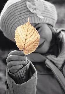 Λειμώνας: Αυτό μπορεί να με κάνει άγιο..! Color Photography, Fashion Photography, Black White Photos, Black And White, Color Splash Photo, Dps For Girls, Photo B, Nature Paintings, My Images