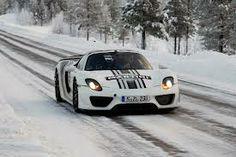 Porsche 918 Spyder testing in the snow.