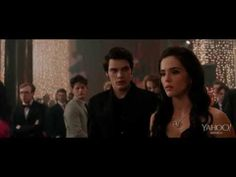 ▶ Vampire Academy theatrical trailer 2014 - YouTube