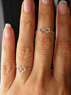 Silver Infinity or Heart chain ring. Minimalist por PeggysPassions