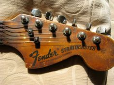 Fender Stratocaster headstock -- big version