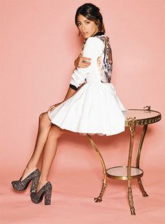 Welcome to Martina Stoessel News, your source for everything Martina Stoessel! Disney Channel, Violetta Live, Manequin, Celebrity Singers, New Fashion, Womens Fashion, Teen Actresses, Disney Stars, Her Style
