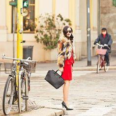 my michael kors style Michael Kors Handbags Sale, Michael Kors Black Purse, Michael Kors Bags Outlet, Michael Kors Fall, Michael Kors Clutch, Michael Kors Fashion, Michael Kors Selma, Baby Eyebrows, Who What Wear