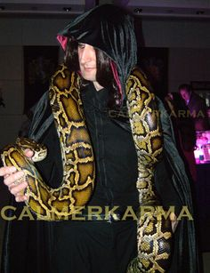Snake Charmer & Snake Performer walkabouts for corporate parties and entertainment; London and UK Harry Potter Snake, Wizard Costume, Fantastic Beasts And Where, Walkabout, Indiana Jones, Live Events, Slytherin, Corporate Events, Great Photos