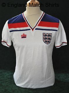 England 1982. Keegan miss but classic 80's England number