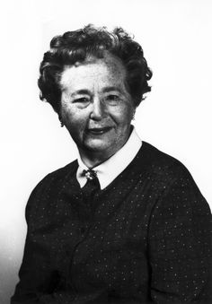 """""""Don't be afraid of hard work. Nothing worthwhile comes easily. Don't let others discourage you or tell you that you can't do it. In my day I was told women didn't go into chemistry. I saw no reason why we couldn't."""" -- Gertrude Belle Elion (1918-1999)"""