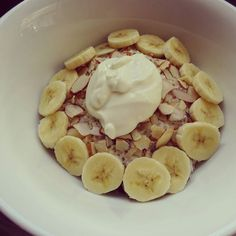 Happy Friday! Another week gone wow these weeks are flying by. Breakfast today is coconut porridge with blueberries slivered almonds a small banana and a dollop of greek yoghurt.