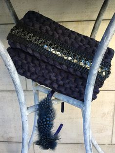 Bolso clutch de trapillo realizado a mano por TribecaHandmade
