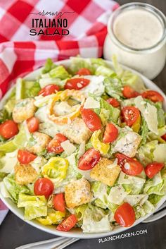 Creamy Italiano Salad - Romaine, tomatoes, thinly sliced seedless cucumbers, sliced banana peppers, croutons and homemade Creamy Italiano dressing. Slow Cooker Spaghetti, Baked Spaghetti, Bread Twists, Meat Lovers Pizza, Pizza Casserole, Spaghetti Casserole, Mayonnaise, Italian Salad, Italian Beef