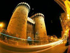 Torres de Quart ..... Unas de las puertas de entrada a Valencia , cuando en tiempos antiguos era una ciudad amurallada ...... Valencia ( España )