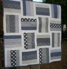 Crochet Rug Rectangle Baby Quilts New Ideas Quilt Square Patterns, Beginner Quilt Patterns, Baby Quilt Patterns, Quilt Tutorials, Jellyroll Quilts, Scrappy Quilts, Easy Quilts, Baby Patchwork Quilt, Baby Boy Quilts