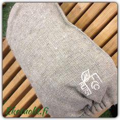 EcoChair, alder and linen pillow Linen Pillows, Wood, Design, Woodwind Instrument, Timber Wood, Trees
