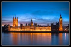 to London and visit the Westminster Palace and of course, Big Ben.  More importantly, did you know that there's apparently a total of 19 bars in this place?  WHAT?  Please tell me SOMEONE has been to one!!!  Also, I'd like to compare this place to my 3D puzzle I made of it when I was in 5th grade.