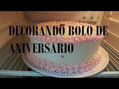 DECORANDO BOLO DE ANIVERSARIO- SIMPLES - YouTube