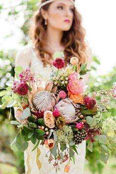 Unstructured wedding bouquet