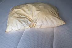 Csúnya, SÁRGA foltos párnán alszol? Mutatjuk, hogyan lehet újra patyolattiszta!   Nosalty