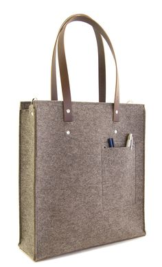 Grey wool felt TOTE BAG by anonimaMente design #woolfelt #madeinitaly