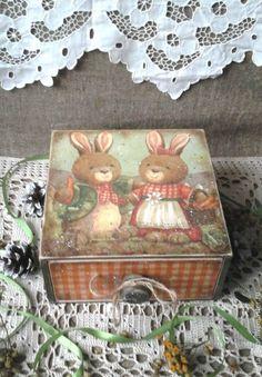 Купить Короб Зайки с морковкой в винтажном стиле - короб для хранения, зайцы, зайки, винтажный стиль