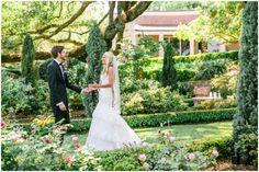 This looks like a fairy tale! Cummer Museum Wedding l Jacksonville, FL