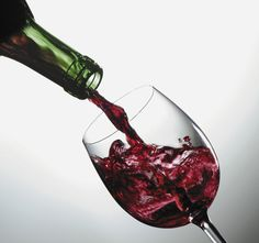 Expert tips for serving wine at home. Get everything you need from wine to glass ware and more at your Urbandale Hy-Vee! Wine Drinks, Alcoholic Drinks, Beverages, Drinks Alcohol, Things To Do Tonight, One Glass Of Wine, Best Wine Clubs, Best Red Wine, Stained Teeth