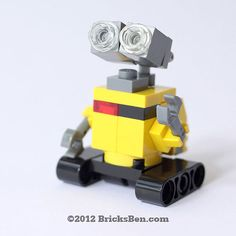 Get your own WALL-E – in LEGO! At tall and wide, this is the perfect gift for any WALL-E fan. Made with more than 30 original LEGO elements. Lego Moc, Lego Wall-e, Lego Craft, Lego Batman, Wall E, Lego Design, Deco Lego, Pokemon Lego, Instructions Lego