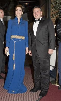 Queen Rania of Jordan and King Abdullah Ibn Hussein II Casual Day Dresses, Nice Dresses, Gucci Gown, Capricorn Women, King Abdullah, Simple Gowns, Queen Rania, Arab Women, Royals