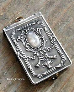 Art Nouveau/art Deco 1895-1935 Art Nouveau Antique Solid Silver 1903 J&r Chester Hallmark Stylised Lady Button Durable In Use
