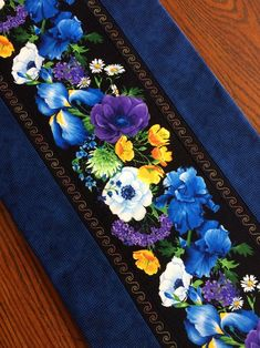 Table runners A Web Copywriter Should Know The Rules And How To Break Some What makes a good web cop Easter Table Settings, Easter Table Decorations, Easter Centerpiece, Easter Decor, Farmhouse Quilts, Bird Quilt, Bronze, Quilted Table Runners, Leaf Table