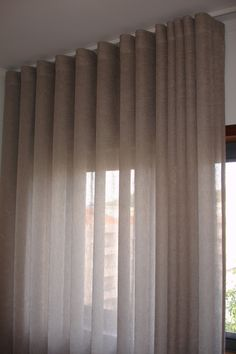 Cinzento • Outras Cores Large Window Curtains, Cute Curtains, Ceiling Curtains, Curtains With Blinds, Living Room Grey, Living Room Modern, Living Room Decor, Interior Design Curtains, Family Room Curtains