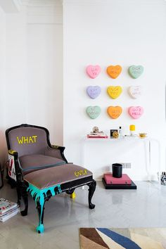 London Apartment Design Time: Inside Racil Chalhoub's Home Funky Furniture, Furniture Makeover, Furniture Design, Whimsical Painted Furniture, Thrift Store Furniture, Art Furniture, Meubles Peints Style Funky, Diy Casa, London Apartment