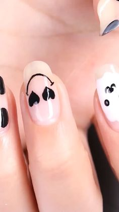 These Nail designs have clean, classy, minimalist style that you absolutely adore. These desaturated palettes are to deserve for. Pink Nail Art, Cute Nail Art, Easy Nail Art, Cute Nails, Diy Nails, Girls Nail Designs, Nail Art Designs Videos, Nail Art Videos, Funky Nails