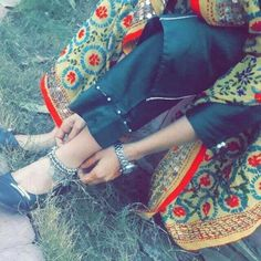 Look Your Best With This Fashion Advice Cute Girl Poses, Cute Girl Photo, Beautiful Girl Image, Girl Photo Poses, Cute Girls, Balochi Girls, Stylish Girls Photos, Stylish Girl Pic, Chicas Dpz