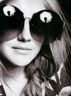 f09a566c3f739d Des  lunettes Tom Munro portées par Dakota Fanning. Mode Femme, Lunette  Sport,