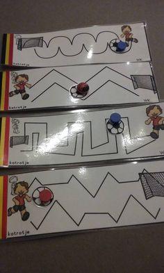 spelen met magneten + voetbal magneetkaarten extra – katrotje Busy Boxes, Brain Teasers, Kindergarten, Challenges, Football, School, Sports, Robots, Stage