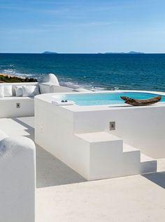 La beauté en blanc et turquoise des villas grecques