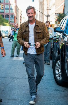Aaron Eckhart Photos - Aaron Eckhart is seen out for a walk. - Aaron Eckhart Rocking a Mustache Older Mens Fashion, Trendy Mens Fashion, Stylish Men, Natural Man, Most Beautiful Man, Mustache, Autumn Fashion, Men's Fashion, Casual Shirts