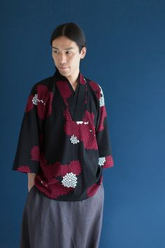 "2016 Mens Summer Collection. Kimono Tops come with white collar, to create layered look. Made of ""chizimi""crepe cotton from Mie prefecture. #kimono, #sousou, #sousoukyoto, #kyoto, #menswear, #mensstyle,, #style, #mensfashion, #fashion, #2016SC, #kyoto, #japan"