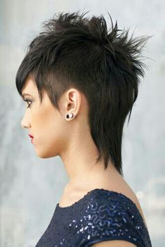 These short haircuts are the new trend hairstyles What hairstyle is your this cure Edgy Hair cure Haircuts Hairstyle Hairstyles Short Trend Funky Short Hair, Short Hair Cuts, Short Hair Styles, Mullet Haircut, Mullet Hairstyle, Mohawk Mullet, Haircut Short, Hairstyle Men, Fade Haircut