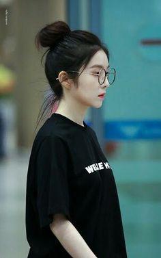 Best Hot Photo& of Jisoo Blackpink Irene Red Velvet, Red Velvet アイリーン, Preto Wallpaper, Velvet Wallpaper, Seulgi, Korean Girl, Asian Girl, Ulzzang Girl, Korean Beauty